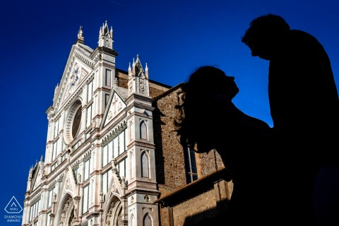 Florence Italy city centre portrait session of love - Couple silhouette over blue sky