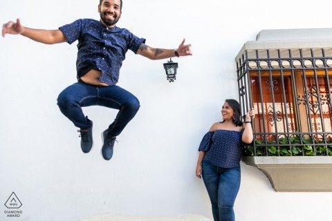 Caracas Engagment Photos of a Couple in Love with a Great Jump