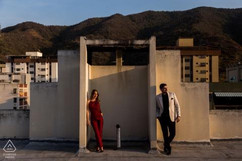 Caracas Magic Light Portraits - Fotoshooting zur Verlobung bei Sonnenuntergang