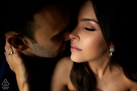 Close-up photo session of a couple in Pirenópolis