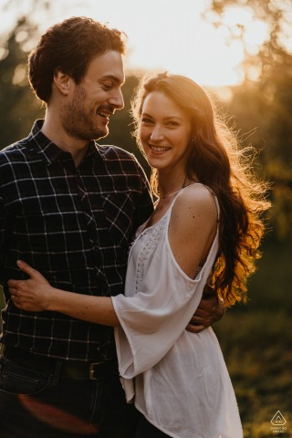 Essen, Duitsland Paar Engagement Shoot - Pre Wedding Pictures in the Sunshine