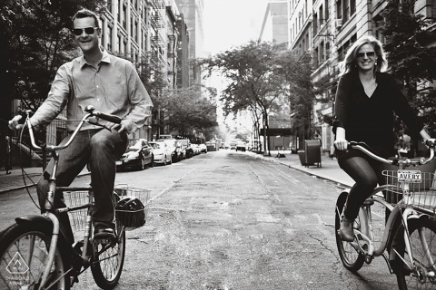 Séances de photos d'engagement | Manhattan, New York - Allons faire du vélo!