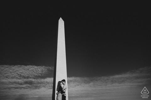 Engagement Photography Session from Washington Monument, Washington DC - Engagementsessie van het paar naast het Washington Monument