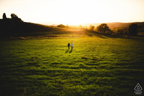 Couple Engagement Photo Session | Tuscany countryside, Val d'Orcia - The light of Tuscany