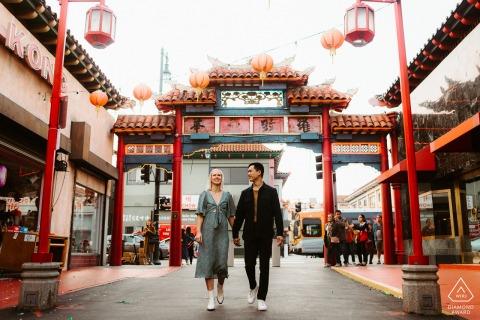 Sesión de pareja comprometida | Paseando por China Town