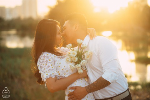 Engaged Couples Photographer | Saigon, Vietnam lovers in the golden light