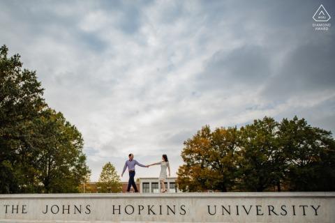 Johns Hopkins University Engagement Portrait - Ze ontmoetten elkaar op JHU