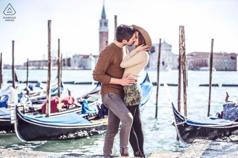 Betrokkenheidsopnames in Venezia met water en gondels