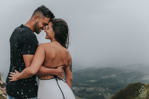 pre-wedding portrait above Belo Horizonte, Brazil