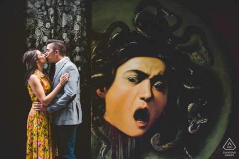 Kiss and Medusa, a funny pictures taken during the works at Uffizi Gallery in Florence