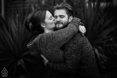 Fotografia de noivado Corby em preto e branco