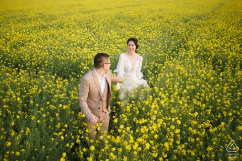 China Rape flowers	- Hand in hand lovers - pre wedding photography
