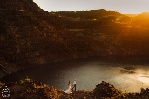 Caçapava do Sul - RS Bride and groom engagement portrait on the edge of the mountains