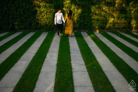 An urban jungle and their love story are visible in this New Delhi, India pre-wedding photo shoot