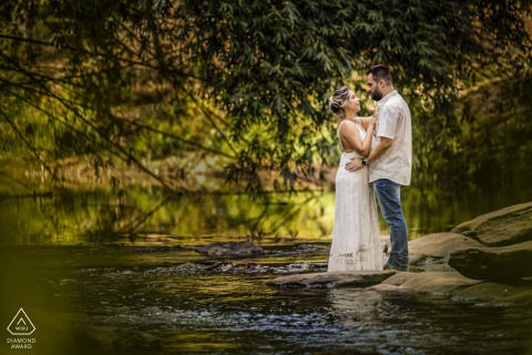 Pirinopolis, Goias couple engagement shoot with Love at the waterfall