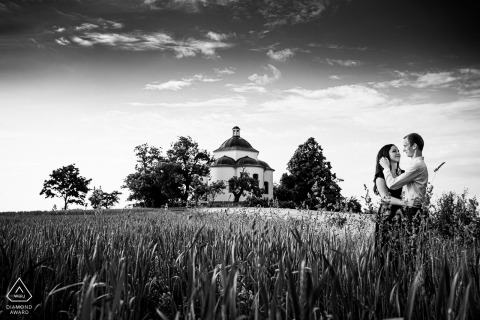 Rosice pre-wed portrait of engaged couple on the top of the hill