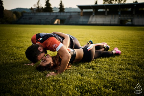 Athletic couple engagement portraits in Umbria