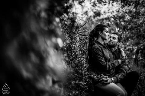 Forest couple engagement photos at Poleylmieux au Mont D'Or