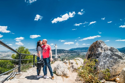Walking trail couple engagement picture session in Jaén, Spain