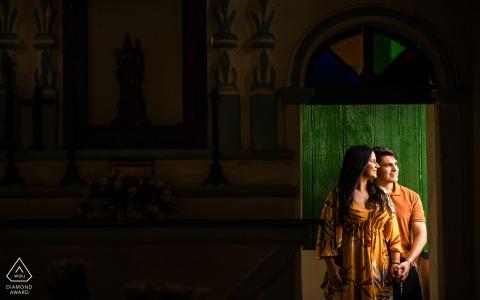 Maceió, Alagoas pre-wedding portraits with light and love