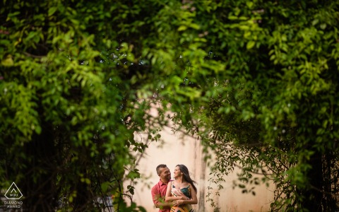 Maceió, Alagoas couple portrait using the green to frame them