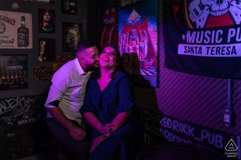 Santa Teresa - Espírito Santo - Brasilien Fotosession vor der Hochzeit mit Innenbeleuchtung im Clubstil