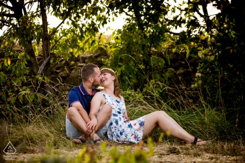 Ardèche, South of France engagement portrait session in the park with the Feel in love