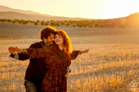 Andalusia engagement photoshoot & pre-wedding session with a couple in the fields of Jaén, Spain