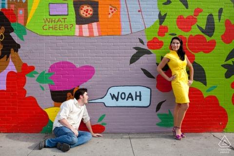 RI Fotografia przedślubna i zaręczynowa pary przed muralem w Providence na Rhode Island