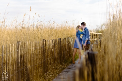 FR engagement photo shoot in the afternoon with a Montpellier France Couple on a bridge