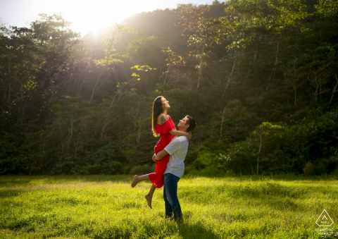 Puerto Rico light shining over an engaged couple for this Tunel Guajataca pre-wedding portrait session