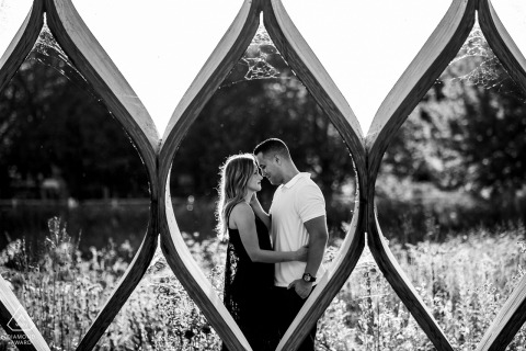 b&w chicago lincoln park engagement session framed in openings