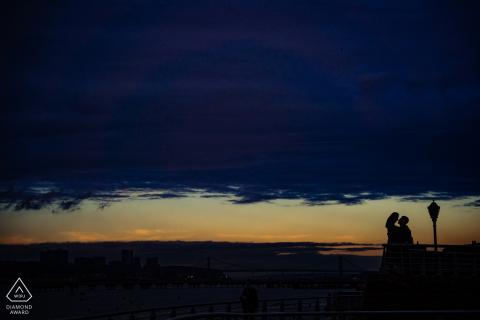 Riverside Park, zonsondergang in New York tijdens een fotosessie voor het huwelijk