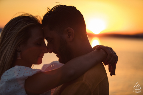 Lago di Bolsena - Italy close up photo with an incredible sunset during engagement photo session