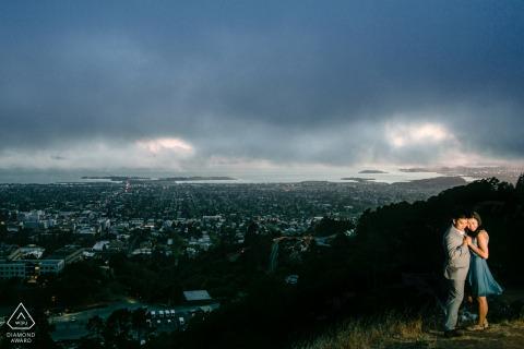 加利福尼亚伯克利大学微户外山地摄影课程,婚礼当天日落前俯瞰他们初次见面的校园