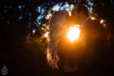 Abenteuer-Verlobungssitzung im Colorado Bend State Park in einem CO State Park