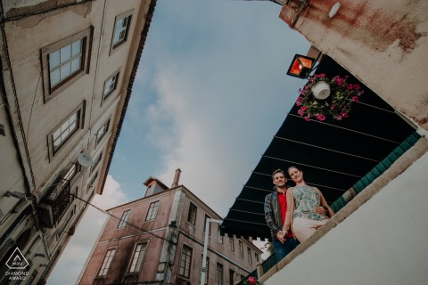 Sintra city center, Lisboa, Portugal mini urban pic shoot before the wedding day with some posing on a balcony of an old house in the village