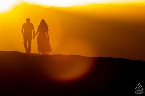 Death Valley National Park soir coucher de soleil couple shoot silhouette dans les dunes de sable