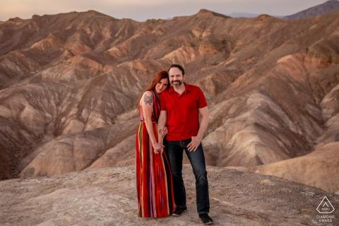 Death Valley National Park Hills avant le mariage, un coucher de soleil à Zabrieske Point