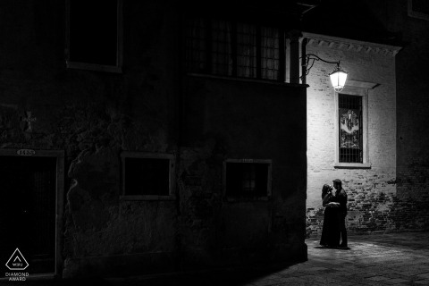 Venice, Italy urban pic shoot before the wedding day with some BW Light in the dark