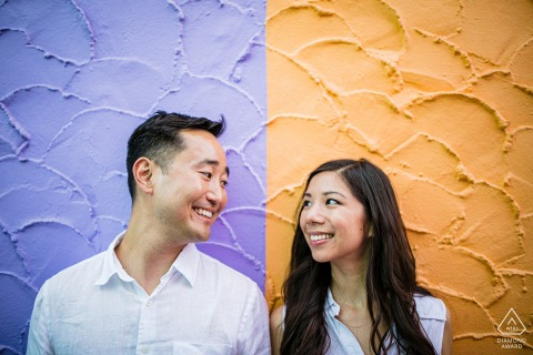 Imagen de capitola pre-wed con un fondo de tono dúo