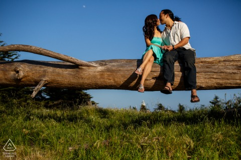 Santa Cruz engagement pic session with the sweet couple hanging out