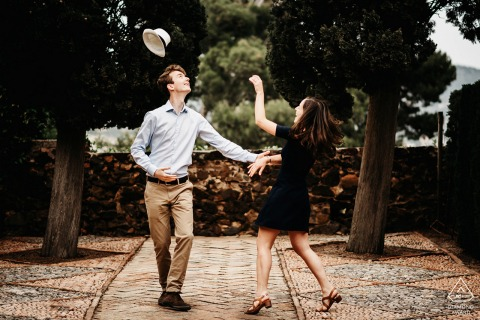 Costa-Brava pre-wed portrait with a Couple dancing during engagement session