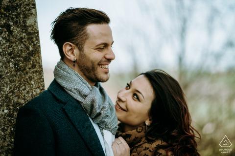 Sesión de fotos previa a la boda de Greve in Chianti para una pareja precovid de estilo de bellas artes