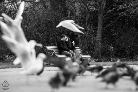 London portrait e-session in a park with pigeons