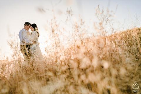 True Love Engagement Portrait Session im Hap Magee Ranch Park in Danville zeigt ein Paar aus Kalifornien, das wieder in Love Hope gefangen ist