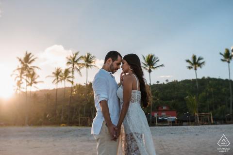 Itacarezinho couple e-session à Bahia seul dans Un monde privé et beau