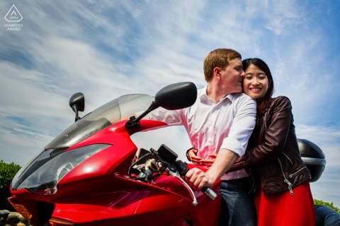Woodside couple e-session with The lovers on the red motorcycle in CA