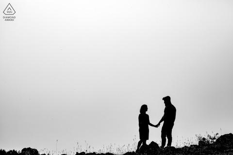 Monte Livata couple e-session in silhouette in black and white