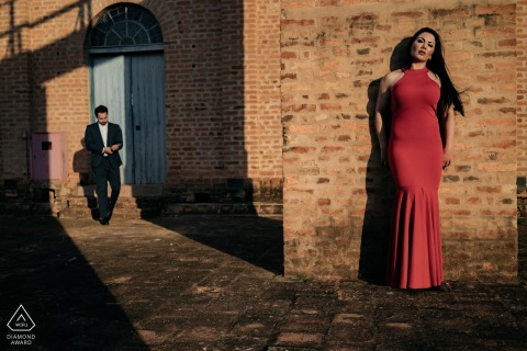 Haras Albar couple e-session against the warm red bricks and in the warm afternoon sunlight
